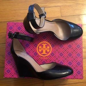 Black patent leather Tory Burch wedges 6.5 w box